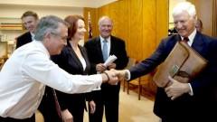 Julia Gillard, Wayne Swan and Independents. Photo: www.news.com.au